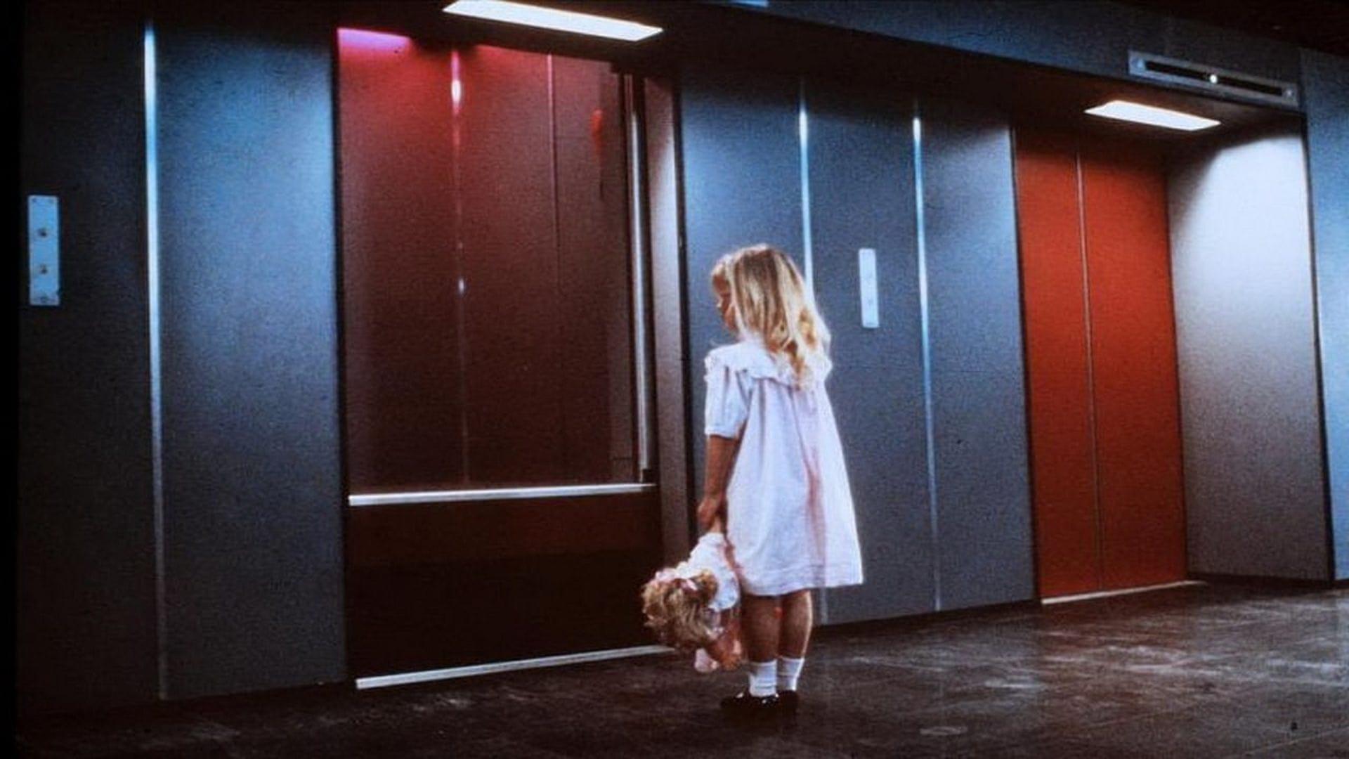 """De Lift   Fahrstuhl des Grauens"" von Dick Maas (Foto: Warner Bros.)"
